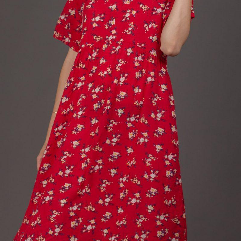 שמלה אדומה פרחונית